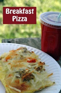 Breakfast Pizza from fivelittlechefs.com #recipe
