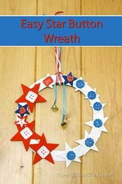 Easy Star Button Wreath from fivelittlechefs.com #kids crafts #star #july